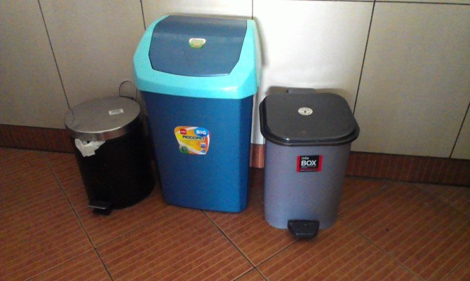Each household puts out three bins to collect kitchen, dry and sanitary waste every day.
