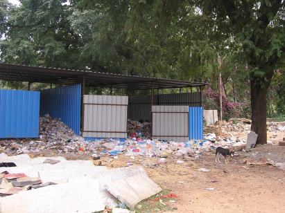 A shed where low-value dry waste is stored. Due to lack of staff, this aspect of the waste management has not yet been tackled effectively.