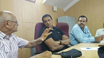N S Ramakanth, JC Sarfaraz Khan and Chief Engineer Parameshwaraiah at a recent meeting held to discuss WM strategies for Deepavali festival.